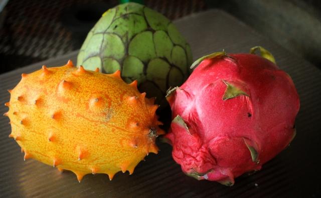 Chirimoya, Kiwano, Dragonfruit